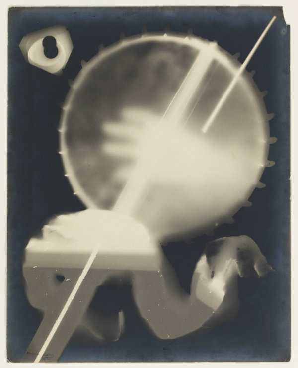 Man Ray, Sans titre (Rayogramme), 1925, © MAH, photo: A. Longchamp, inv. E 68-219